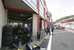GP2 pitlane