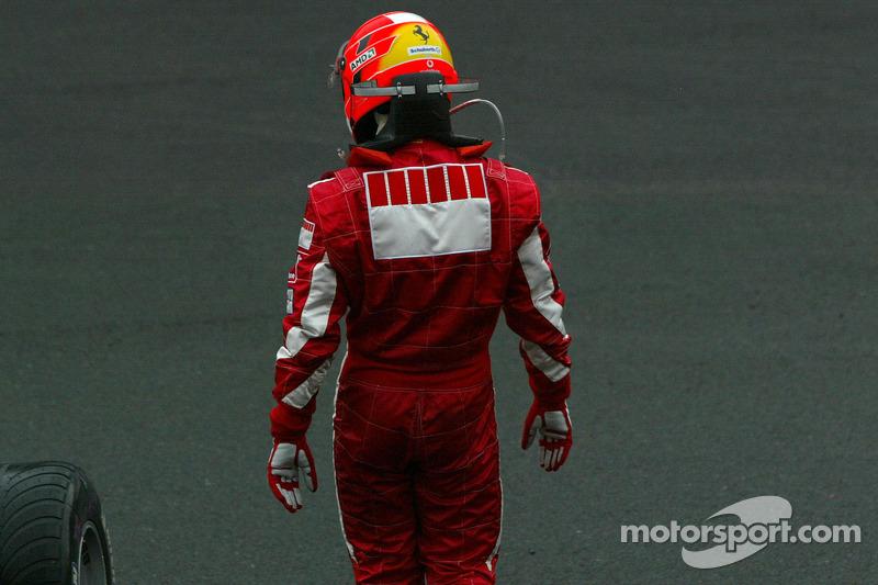 Michael Schumacher se aleja