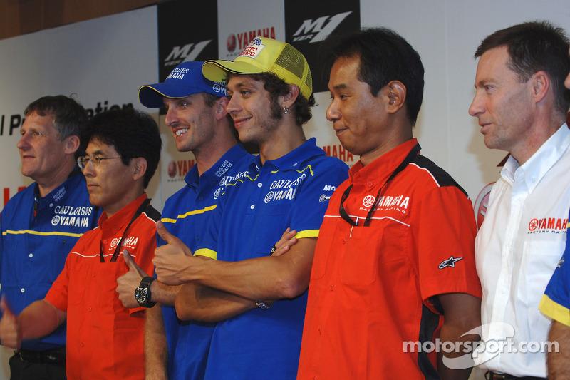 Conferencia de prensa de Yamaha: Colin Edwards y Valentino Rossi