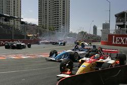 Start: Sébastien Bourdais leads while Oriol Servia and Cristiano da Matta crash