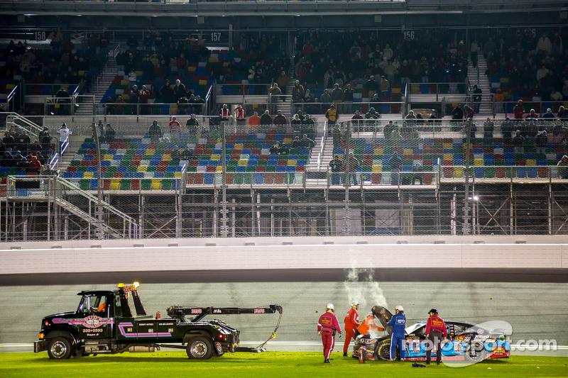 Alex Bowman, Tommy Baldwin Racing, in Schwierigkeiten