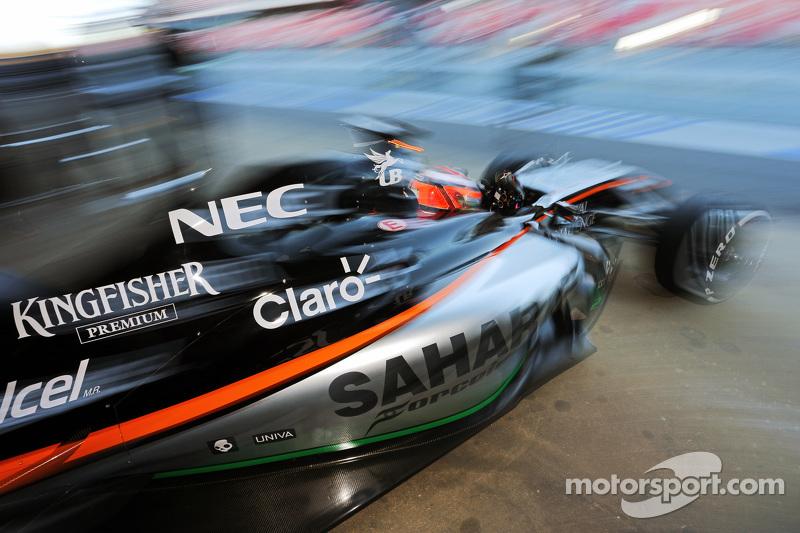 نيكو هلكنبرغ، سهارا فورس إنديا للفورمولا 1 يغادر منصات الصيانة على متن  سيارة في جيه أم 07