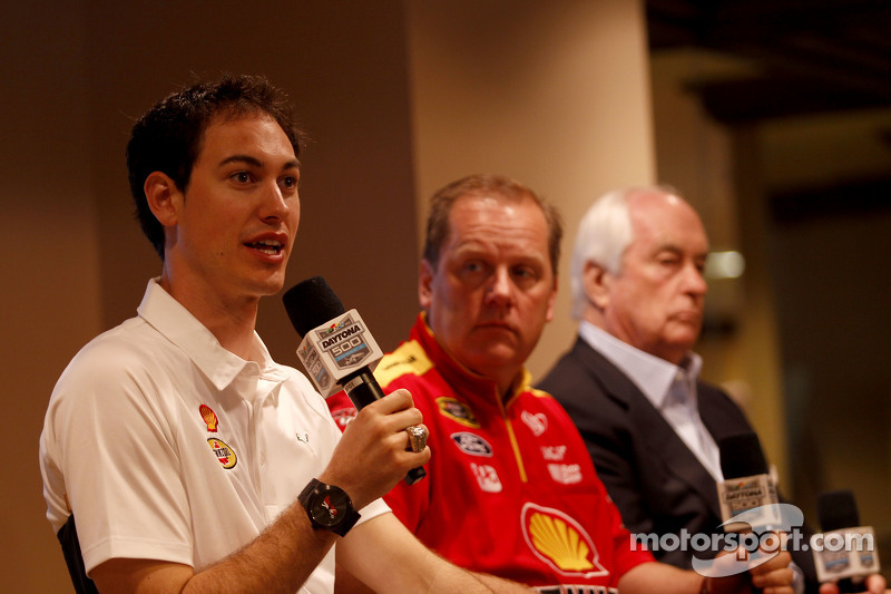 Roger Penske, Joey Logano and crew chief Todd Gordon, Team Penske Ford