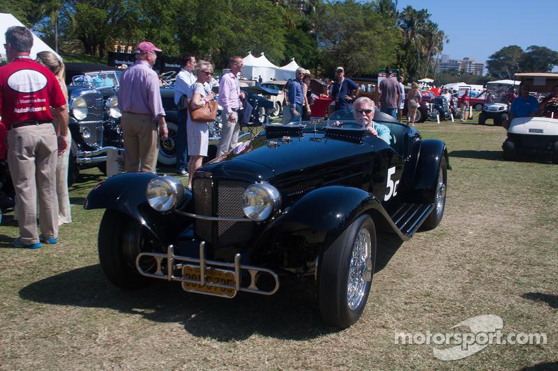 1933 福特Auburn, Wayne Carini驾驶赛车