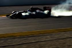 Carlos Sainz Jr., Scuderia Toro Rosso STR10 blokkeert tijdens het aanremmen