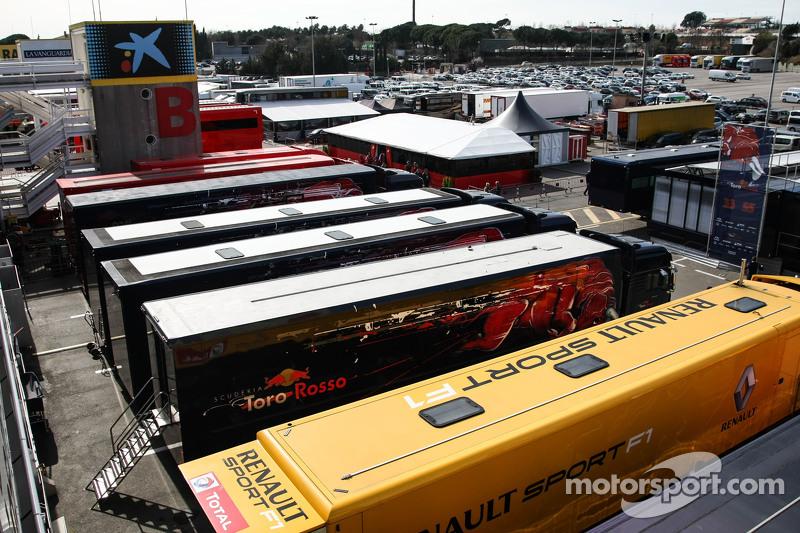 Die Trucks im Fahrerlager