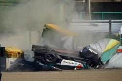 Crash for #36 Lexus Team Petronas Tom's Lexus RC F: Daisuke Ito