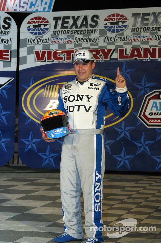 El ganador de la pole, Ryan Newman