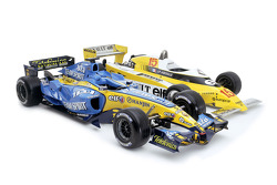 Photoshoot of the 2005 Renault R25, first World Championship winning car for Renault, and the 1979 Renault RS11, first Grand Prix winning car for Renault
