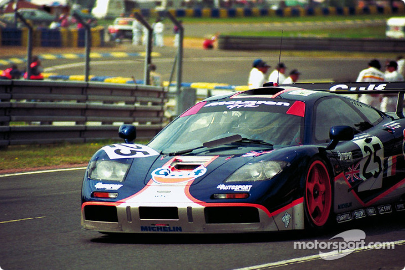 25 Gulf McLaren F1 GTR: Pierre-Henri Raphanel, Philippe Alliot ...
