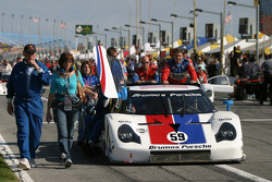 Brumos Racing team push the #59 Porsche Fabcar to the starting grid