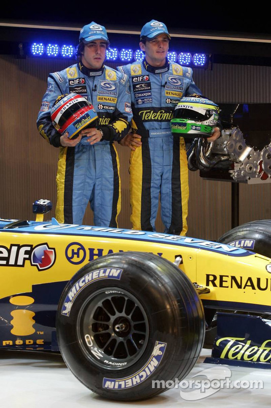 Fernando Alonso and Giancarlo Fisichella with the new Renault R26