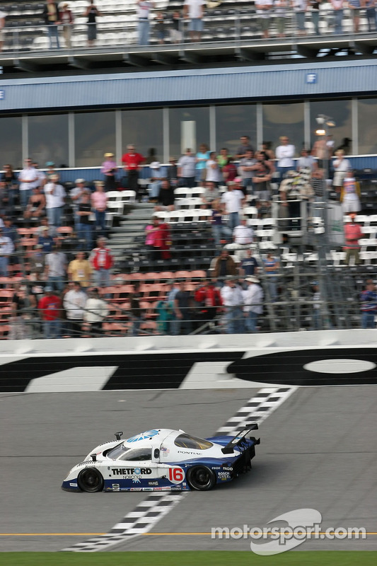 Howard - Boss Motorsports Pontiac Crawford: Chris Dyson, Rob Dyson, Oliver Gavin, Guy Smith prennent