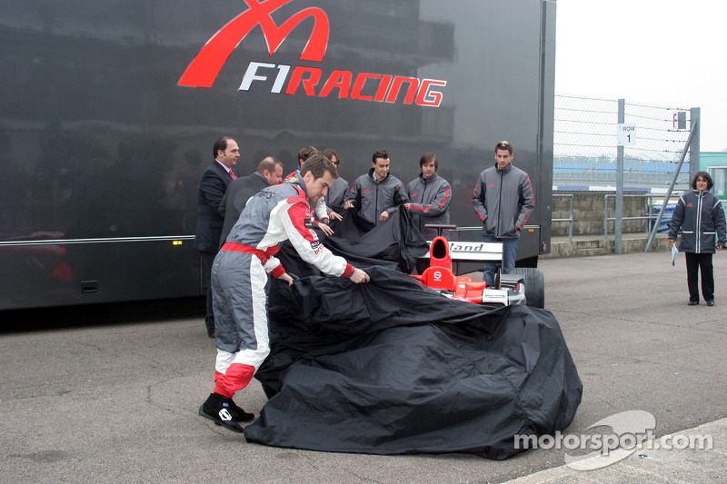 Tiago Monteiro unveils the car