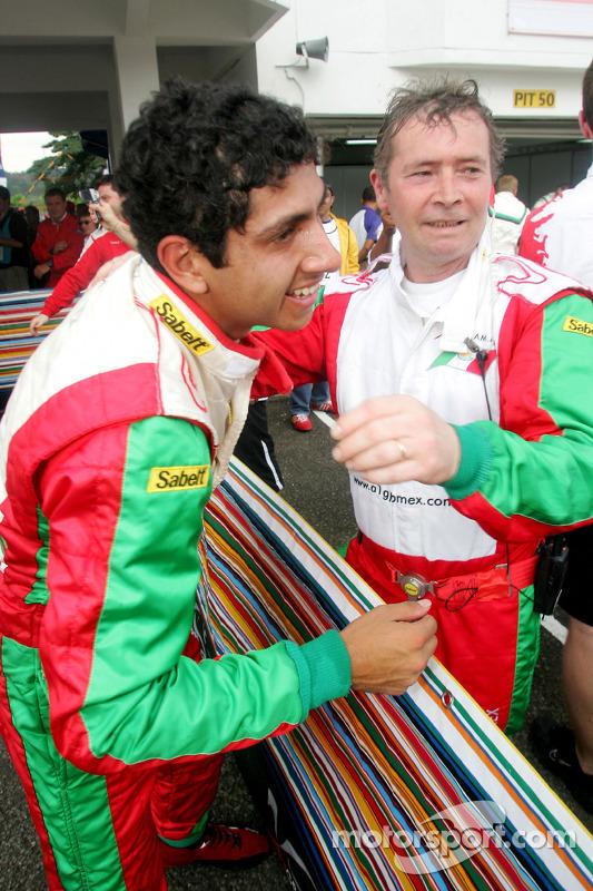 Salvador Duran fête sa troisième place finale