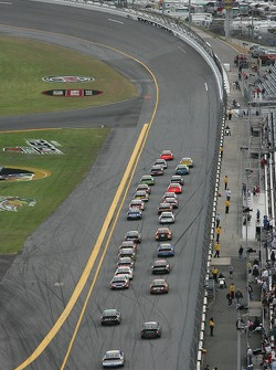 Jeff Gordon leads the field in turn 1
