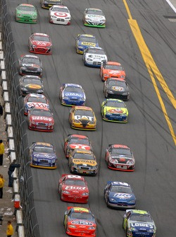 Hendrick pair leads the beer battle for third in early laps