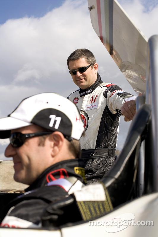 Rubens Barrichello de Honda et le directeur sportif Gil de Ferran ont voyagé à Oaxaca, pour participer à la course Carrera Panamericana