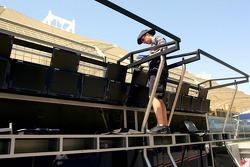 Williams team member prepares pitwall