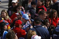 Kyle Busch signs autographs