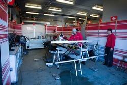 Le garage de Team Suisse