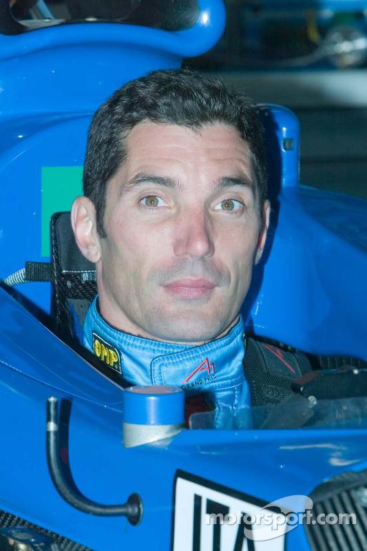 Max Papis conduite pour l'équipe d'Italie