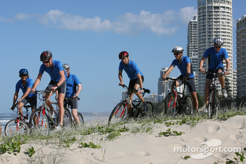 Red Bull fitness training in Surfers Paradise: Jerome Poupel, Robert Doornbos, Neel Jani, Christian Klien and James Miligan