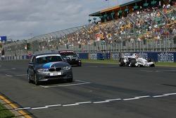 Speed comparison challenge: David Brabham BMW 1-series ve Robert Kubica BMW Sauber F3.06