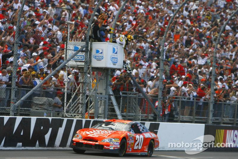 2006, Martinsville 1: Tony Stewart (Gibbs-Chevrolet)