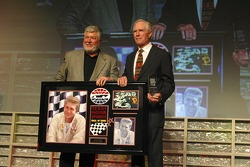 Jim Hall accepts his induction to the Texas Motor Sport Hall of Fame