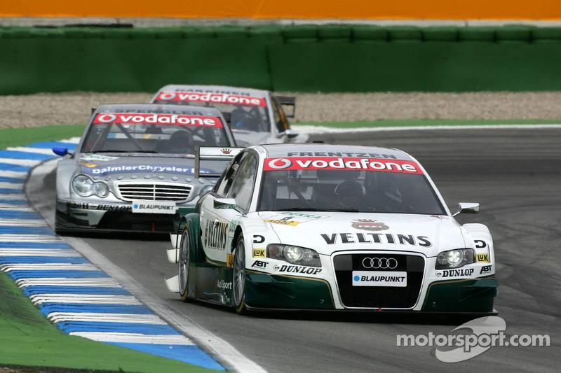 Heinz-Harald Frentzen devant Bruno Spengler et Mika Häkkinen