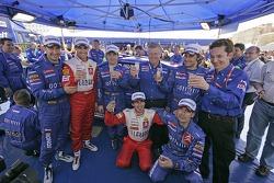 Winners Sébastien Loeb and Daniel Elena celebrate with Xavier Pons, Carlos Del Barrio, Daniel Sordo, Marc Marti and Kronos Total Citroën team members