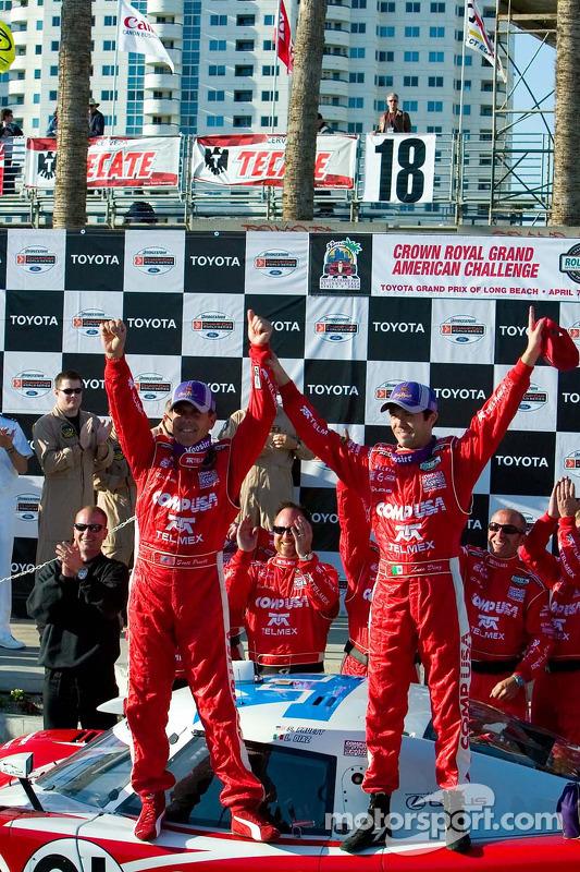 Scott Pruett et Luis Diaz fêtent leur victoire