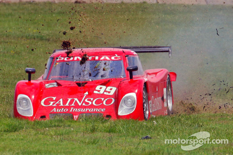 #99 Gainsco/ Blackhawk Racing Pontiac Riley: Alex Gurney, Jon Fogarty dans l'herbe