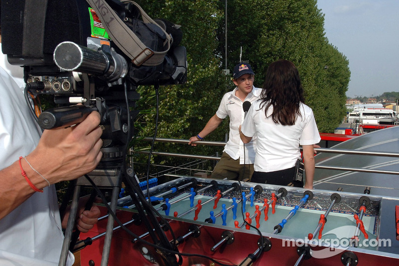 Jeudi refroidi: Scott Speed avec Tanja Bauer