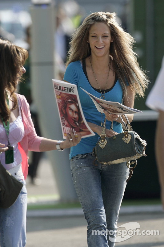 Franziska, la petite amie de Christian Klien, avec le Red Bulletin