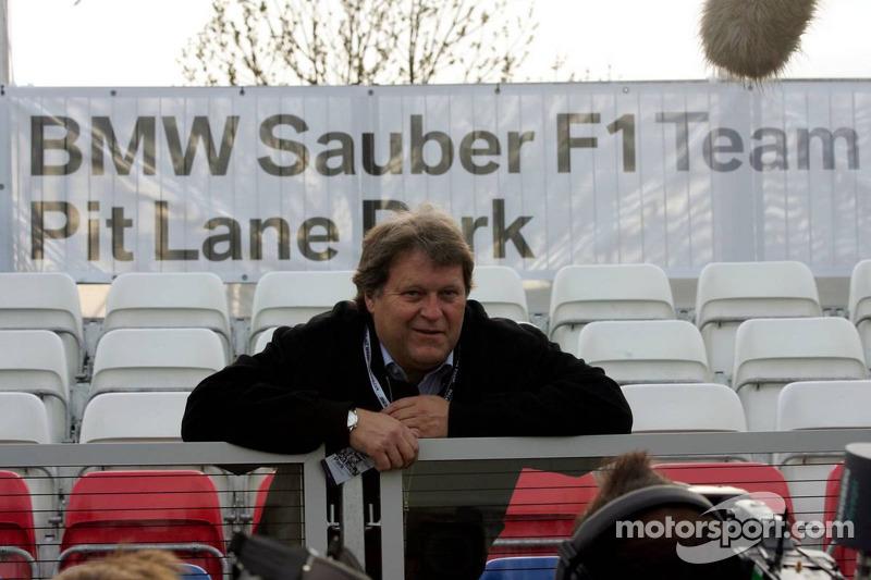 Visite du stand de l'équipe BMW Sauber: Norbert Haug