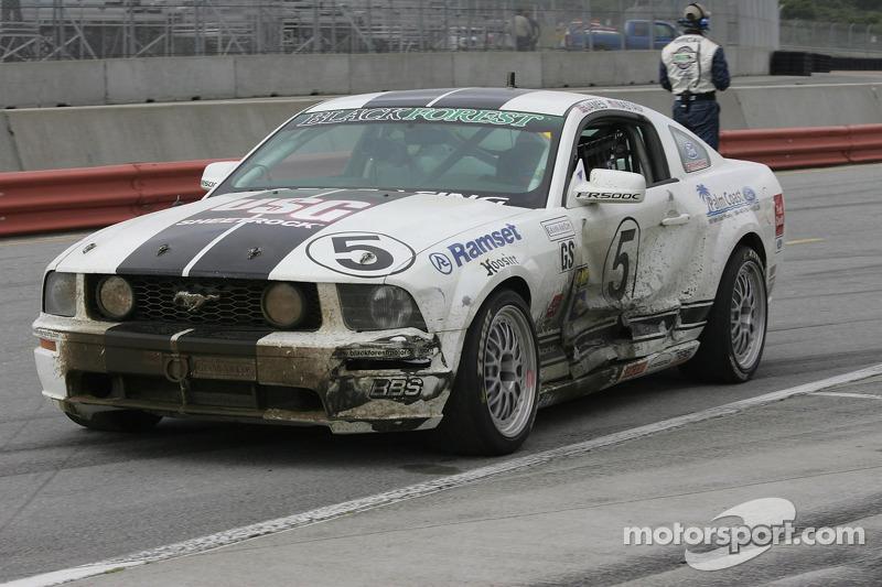 Ce qui a quitté la #5 Blackforest Motorsports Mustang GT à la fin de la course