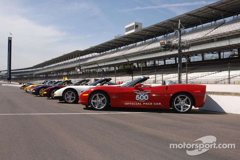La voiture de chauffe du Indianapolis 500