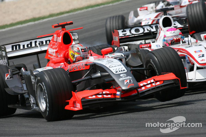 Tiago Monteiro et Franck Montagny en collision