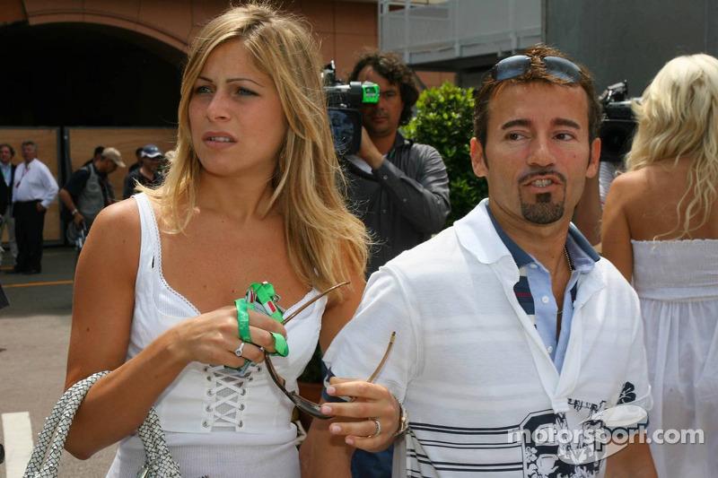 Max Biaggi avec sa petite amie