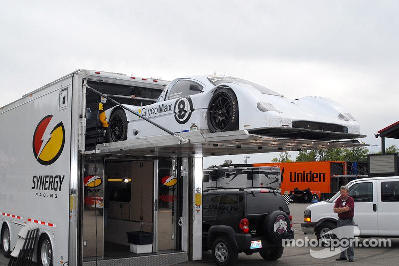 Synergy Racing charge la #8 Porsche Doran