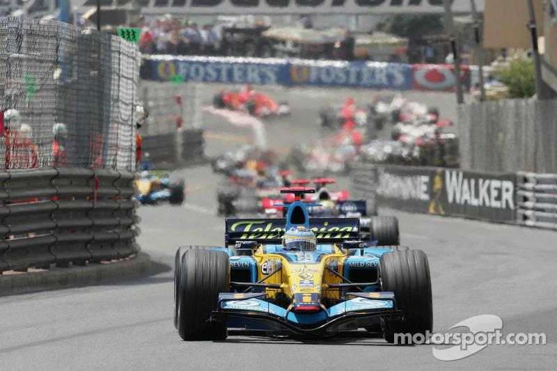 Inicio: Fernando Alonso líder