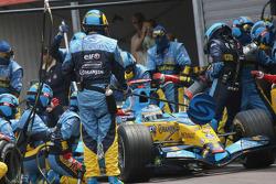 Fernando Alonso makes a pitstop