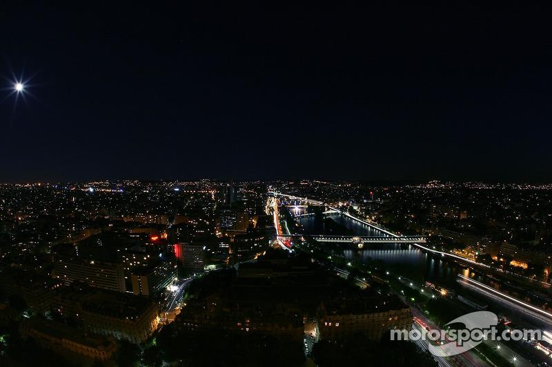 Paris la nuit: la Seine