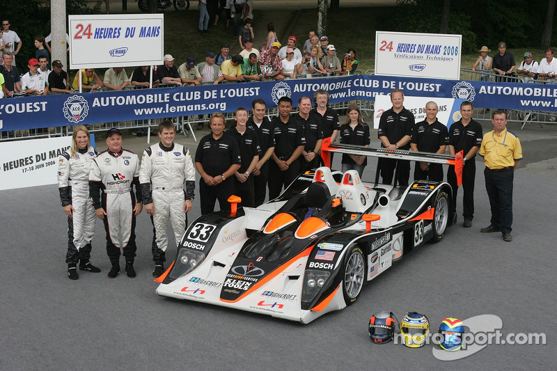 Clint Field, Liz Halliday, Duncan Dayton, et l'équipe Intersport Racing avec la Intersport Racing Lola B05/40 AER