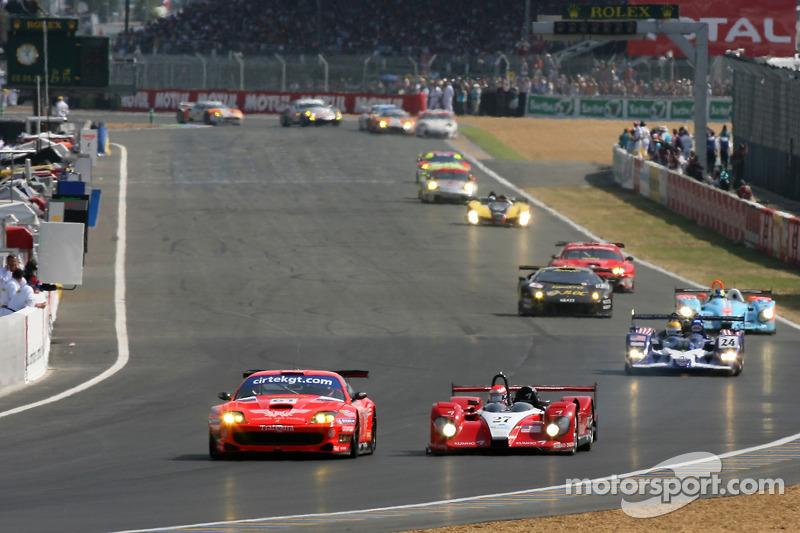 #61 Cirtek Motorsport Ferrari 550 Maranello: Christian Vann, Nigel Smith, Tim Sugden, #27 Miracle Motorsports Courage C6510 AER: John Macaluso, Ian James, James Gue