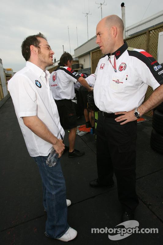Jacques Villeneuve y Jock Clear