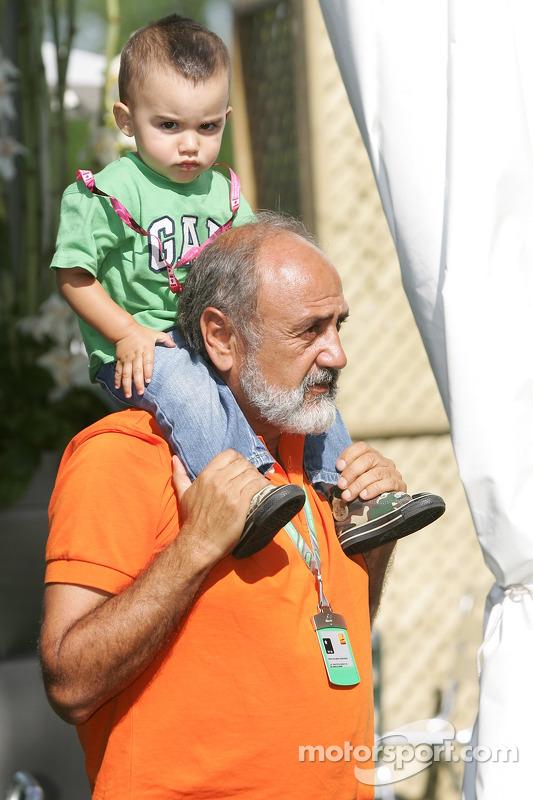 Pablo Montoya avec son grand-père Sebastien