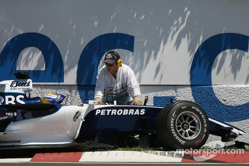 Nico Rosberg dans le mur